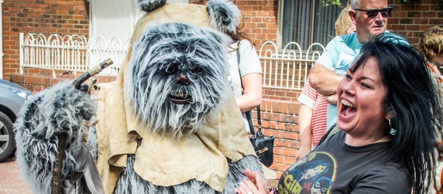 Ewock and lady laughing